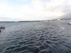 再び、加茂湖です。 昭和7年からカキの養殖が盛んに行われおり、佐渡では美味しいカキ料理が食べられます。