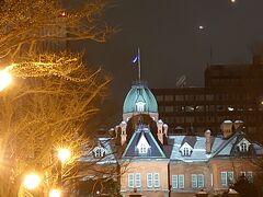 大通りまで戻り、地下散策後北海道庁旧本庁舎へ 雪に映えて綺麗、でも寒かった~~