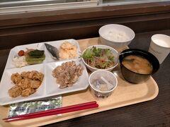 2400円で泊まったスーパーホテル松本駅前は朝食付き 6時半の食堂のオープンを待って腹ごしらえし、7時45分の電車に乗って9時過ぎには今日のスタート地点の木曽福島駅へ到着の予定です。