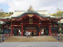 ●西宮神社  拝殿です。 西宮神社は、福の神として崇敬されている、えびす様を祀っている神社です。 全国に3500程あるえびす神社の総本社であります。