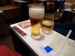 ラウンジで最後のオリオンビールを頂いて・・