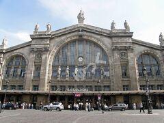 「パリ北駅」 パリの6大ターミナル駅の1つ。フランス北部、およびシャルル・ド・ゴール空港、ベルギー、オランダなどに向かう列車がメインのターミナル駅。ユーロスターの発着駅でもある。1846年開業で、ヨーロッパで最も利用客の多い駅。
