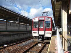 尺土に到着後、近鉄御所まで3駅のローカル支線・御所線を往復することに。
