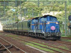 2014.08.14 登別 私が乗った普通列車は登別で「トワイライトエクスプレス」を待避。