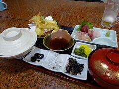 今夜の紀伊国屋食堂での晩ご飯は、ミールクーポン1,500円分上限いっぱいのメニュー「松定食」を頼んでみました。  天ぷら、刺身に・・・