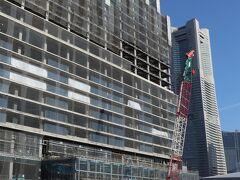 ゴディバを食べたら、横羽線でみなとみらいへ。 44街区では、ウェスティンホテル横浜の建設が進んでいる。 2022年5月開業予定。