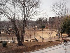【鶴間公園】 里山を市民生活と一体にした公園&隣がショッピングエリア