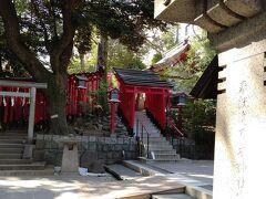 乃木神社の敷地の中になるのか 赤坂王子稲荷神社 おいなりさんですね 元は北区王子にいらしたことから王子の名が残ってます