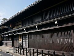 最初に訪れたのは、吉島家住宅  1907年に再建され、国の重要文化財になっているそうです