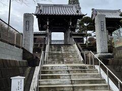深見神社の隣には佛導寺です。神社の近くには必ずお寺があります。