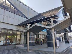 栃木駅。両毛線が乗り入れているからか思ったより駅が大きかった。
