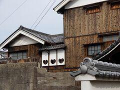 ハートの窓  その時代はハートという呼び方ではなく『桃尻型』と呼ばれてました   川本邸の内部を紹介した旅行記があるので興味のある方はご覧ください