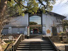 ここは宝物館。時間があったらゆっくり見たい場所です。入館料400円。