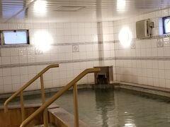 おはようございます 大浴場のある宿に泊まった朝は 朝風呂が楽しみですよね 私も大好きです おまけに本物の温泉ですから~♪  そして貸し切り♪♪♪