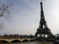 イエナ橋。エッフェル塔はいつ見ても素敵。
