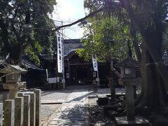 一番主なのは、八百富神社。1181年創建と伝えられています。御祭神は弁財天さま、縁結びの神様です。