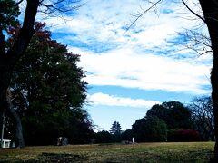 稲荷山公園を通過します。