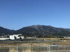 右が葛城山、左が金剛山かな。