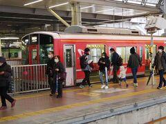 小田急線で小田原へ。 軽いランチを駅ビル内でいただいて、箱根登山鉄道(旧小田急車両1000形)で 箱根湯本へ向かいます
