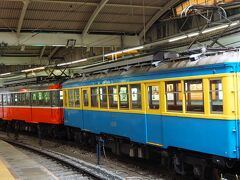 湯本駅でレトロ復刻塗装のモハ2形に遭遇。 こっちに乗りたかった。
