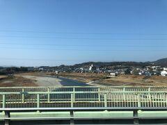 大川橋にて吉野川を渡り、いよいよ山の中へ入っていく。この近くに高校野球で有名な智辯学園があるようだ。