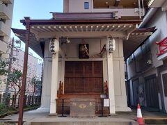 妻恋神社。  ねこのスタンプつきの御朱印をいただきに行ったのですが、来週のようです。残念。  また行けると良いのですが。