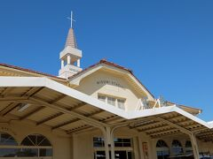 天草の玄関口、三角駅は教会風。