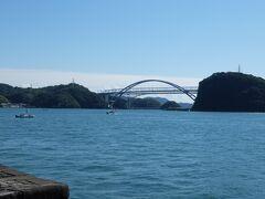 対岸に見える九州と天草を結ぶ橋。