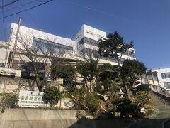篠島観光ホテル。篠島海水浴場を望む。