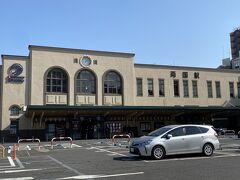 回向院へ行くには一番近い駅は、総武線両国駅のようです。