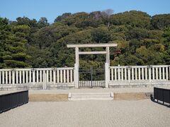 ●仁徳天皇陵  大阪が世界に誇る、古墳。 2019年に、「百舌鳥・古市古墳群」として、世界文化遺産に登録されました。