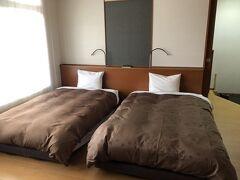 休暇村 伊良湖   客室 和モダンツイン  ベッドルーム