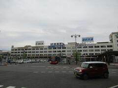 新潟駅と言えば駅の再開発が行われ、見慣れたこの新潟駅舎も来年には姿を消すとのこと。新潟駅のこの駅舎、趣があっただけに残念でなりません。
