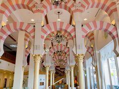 この豪華なピンクの装飾が印象的でした!