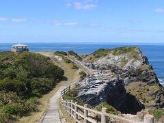 神の浜展望台からさらに進んでいくと、「女瀬の崎展望台」へ。