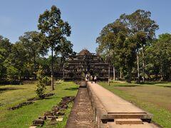 寺院みたいなのが多数あります。ここは、バプーオンというところです。