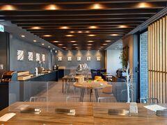 2階のカフェからテラスにでることができます。