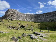 今帰仁城跡に初めて来てみました。世界遺産にも指定されている城跡です。