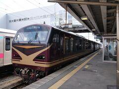 ★12:30 山形新幹線とも接続し、山形県北のジャンクションである新庄駅に到着。