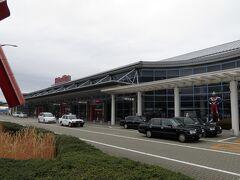 福島空港は初訪問。 空港からレンタカーで出発。