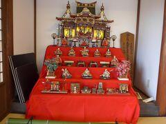 一松邸の雛壇