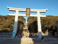 日の出を見た後はそのまま大洗磯前神社に初詣に行きます。