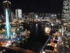 2631号室からの夜景。 コスモワールドの灯りがあると、やっぱり輝いてみえる。 これぞシティビュー!