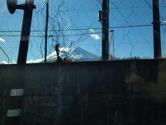 ここからも富士山見えます