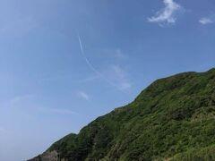 徳浜集落の唯一にして最大の見どころ・徳浜海岸の西の端を縦長に1枚。
