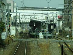 牛浜、福生、羽村と、同じような構造の駅が続く。