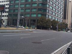 「半蔵門交差点 左折」12:39通過。 お堀とここで別れて左折して四谷・新宿方向へ進みます。