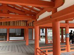 厳島神社に参拝します