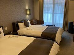 小網駅からすぐ、本日の宿ホテルプロモート広島へ。 アップグレードして貰って、広いお部屋に通して貰いました。\(^o^)/