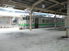 キハ40形気動車は、JR北海道の非電化区間では広く使われてきた車両ですが、今回(2021年3月13日から)のダイヤ改訂で、全道的には大きく数を減らすことになっています。 この滝川駅では、まだまだ見られるようですが。